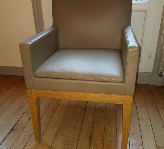 fauteuil en cuir modèle Bridge DB par Andrée Putman